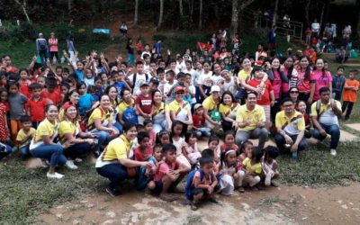 Gothong Southern Spreads Christmas Cheer to Cambagocboc Elementary School